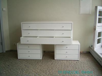 Handgefertigte Möbel